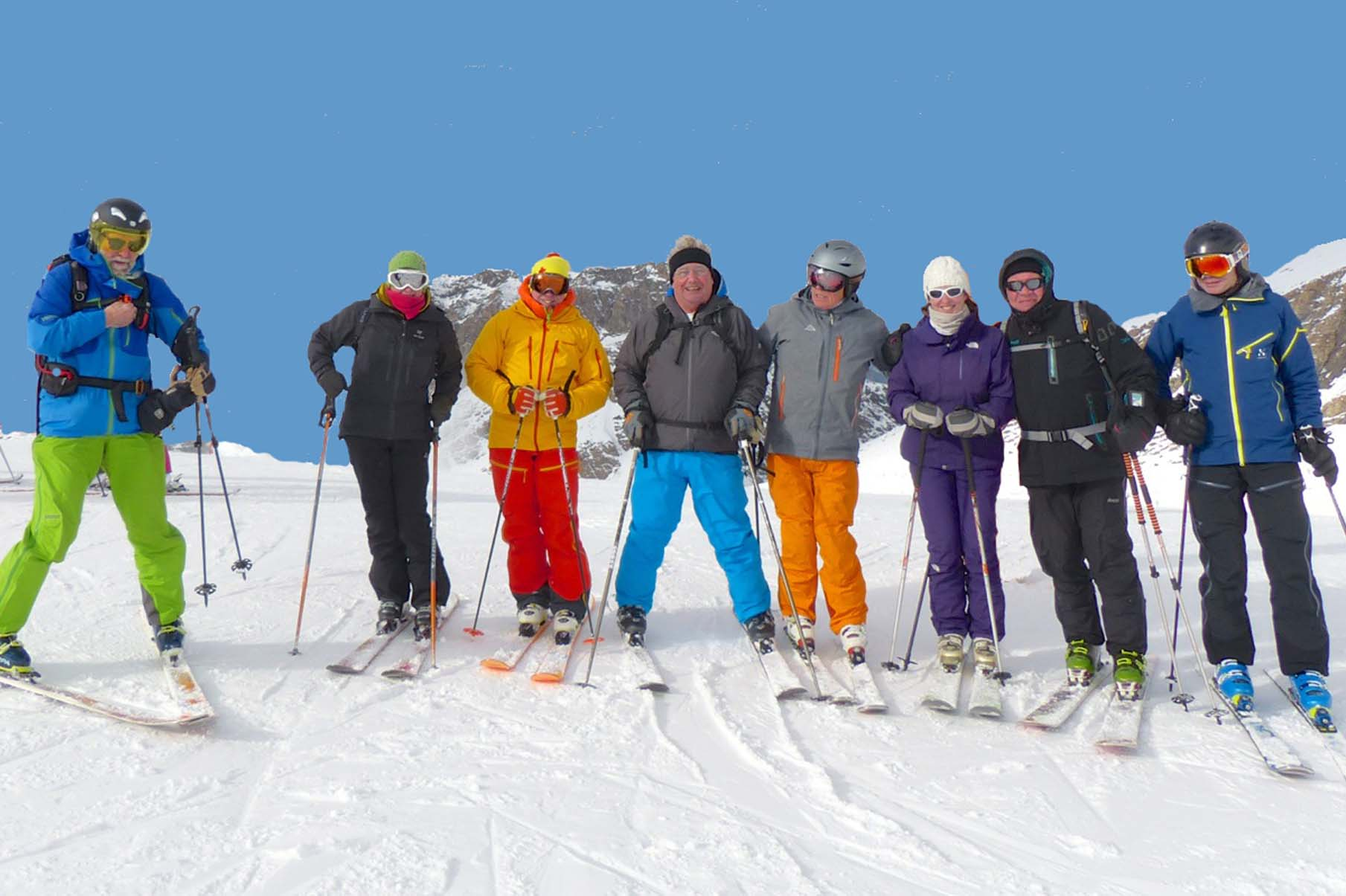 YSE friends skiing
